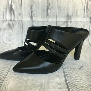 Tahari leather Slides Katrina size 6M EUC